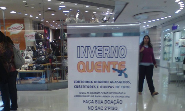 Campanha Inverno Quente, do Viva Rio, arrecada agasalhos e roupas de frio em shoppings Foto: Divulgação
