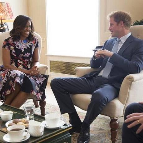 Primeira-dama dos EUA, Michelle Obama, tem encontro com príncipe Harry, em Londres Foto: Divulgação Palácio de Kensington
