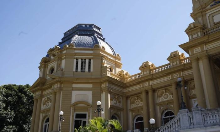 Palácio Guanabara após a última reforma, que usou a reforma feita em 1908 como base Foto: Domingos Peixoto / Arquivo O Globo