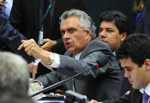 Senador Ronaldo Caiado criticou Lindbergh Farias após intervenção em sessão (24-11-2014) Foto: Luis Macedo / Agência O Globo