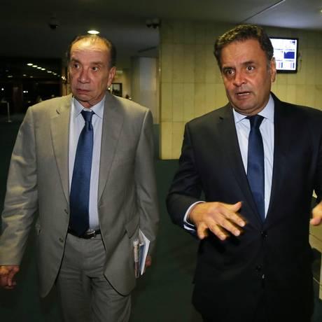 Senadores Aécio Neves (PSDB-MG) e Aloysio Nunes Ferreira (PSDB-SP) lideraram comissão que fracassou em tentativa de visitar presos venezuelanos Foto: Ailton de Freitas / Agência O Globo