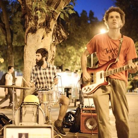 A banda Astro Venga é uma das atrações a se apresentar na passarela subterrânea de Botafogo Foto: Lucas Tavares / Divulgação