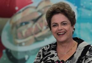 Presidente Dilma Rousseff participa de cerimônia Foto: Jorge William / Agência O Globo