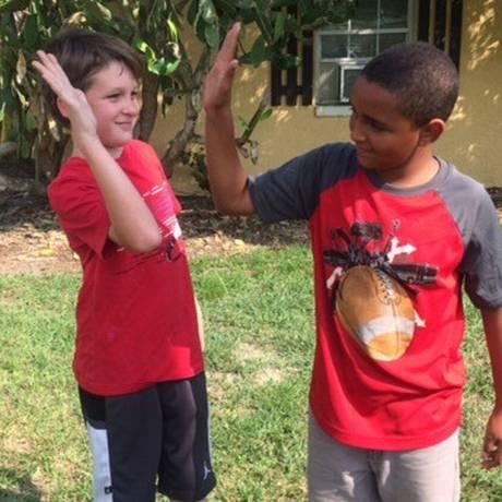 Jeremiah e Isaiah salvaram bebês e foram considerados heróis Foto: Reprodução
