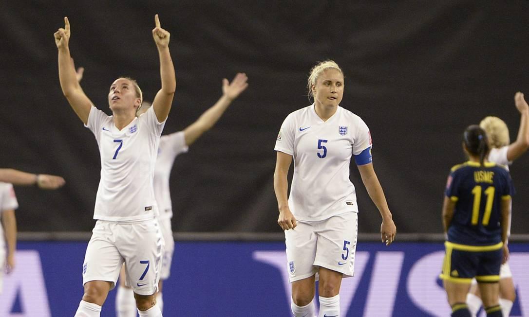 A inglesa Jordan Nobbs, número 7, comemora o segundo gol da equipe Ryan Remiorz / AP