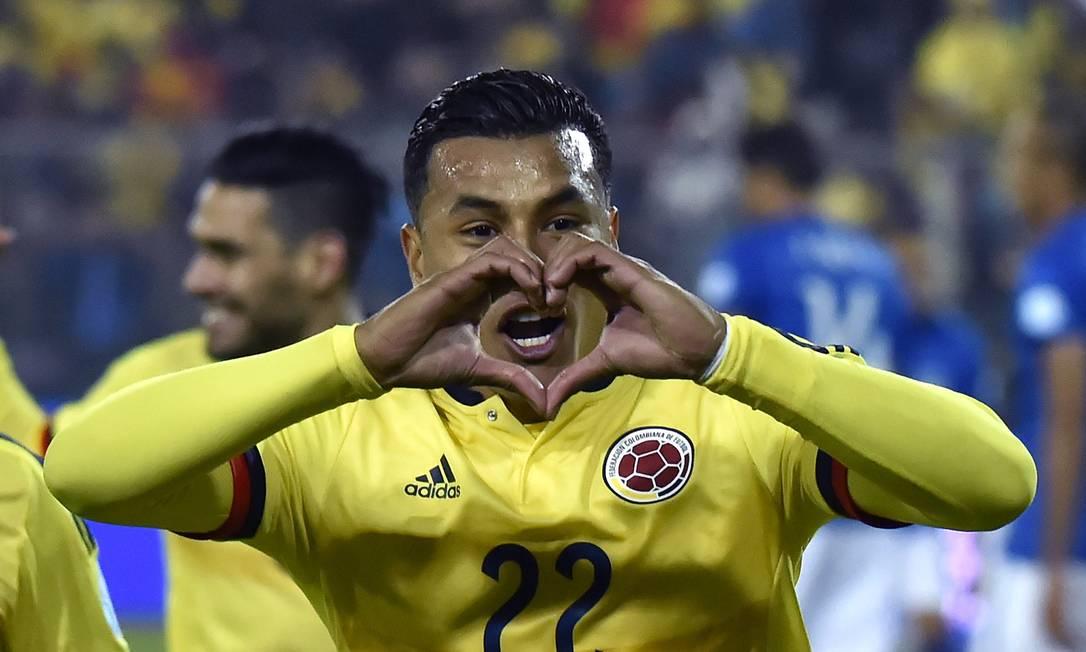 Zagueiro colombiano Murillo comemora o gol que abriu o placar NELSON ALMEIDA / AFP