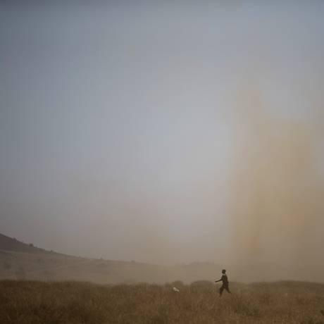Soldados israelenses treinam nas Colinas de Golã, preocupados com guerra síria Foto: Ariel Schalit / AP