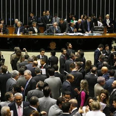 Deputados aprovam emenda que cria janela para que o políticos possam mudar de partido sem perda do mandato Foto: Ailton de Freitas