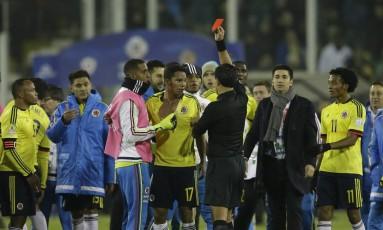 Neymar é criticado por imprensa europeia http://www.cantinhojutavares.com