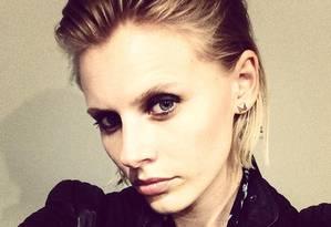 A então modelo Lauren Wasser, antes de viver seu drama Foto: Reprodução/Facebook