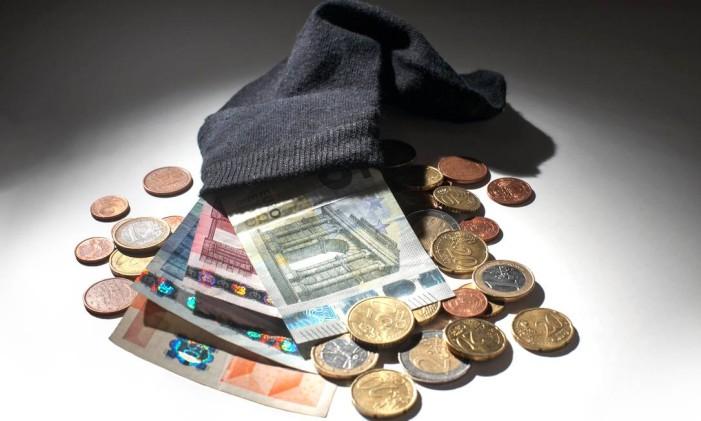 Consumir drogas custa caro. E o primeiro recurso que o viciado encontra é buscar o dinheiro em casa. Começa pedindo e termina furtando objetos para vender ou trocar por entorpecentes. Foto: Divulgação