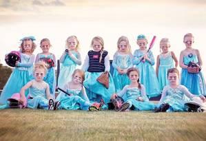 Meninas se fantasiaram de princesa Elsa Foto: Reprodução