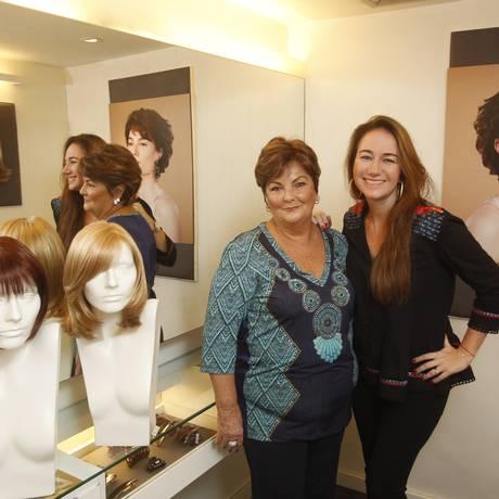 Parceria. A doadora Vera Lúcia Magioli e Daniela Fiszpan Foto: Agência O Globo / Eduardo Naddar