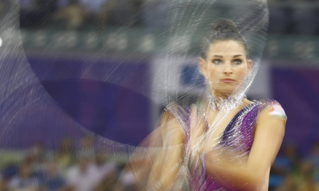Dora Vass, da Bulgária, durante apresentação na final da ginástica rítmica , nos primeiros Jogos Europeus em Baku, no Azerbaijão KAI PFAFFENBACH / REUTERS