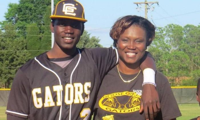 Sharonda era professora dos atletas da Escola Goose Creek Foto: Reprodução/Facebook