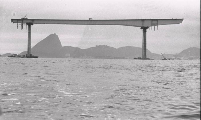 No auge da ditadura, a construção colocava o país no topo da engenharia mundial Foto: Arquivo/23-08-1973