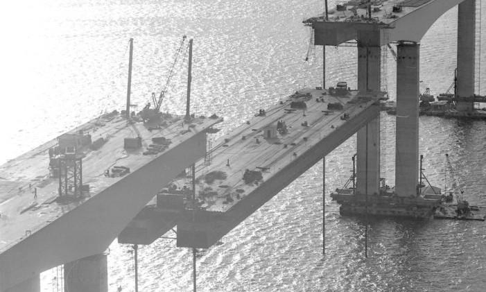 Orçada em Cr$ 990 milhões (cerca de R$ 2,5 bilhões, em valores atualizados), a obra foi concluída em cinco anos Foto: Arquivo/23-12-1973