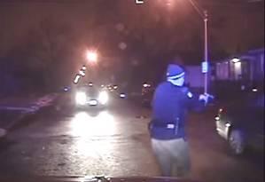 Vídeo mostra policiais atirando em jovens negros, em Chicago Foto: Reprodução