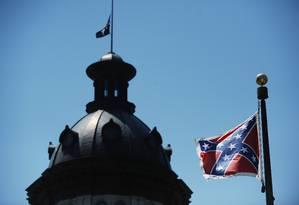 O emblema da confederação na sede do governo da Carolina do Sul Foto: Rainier Ehrhardt/AP