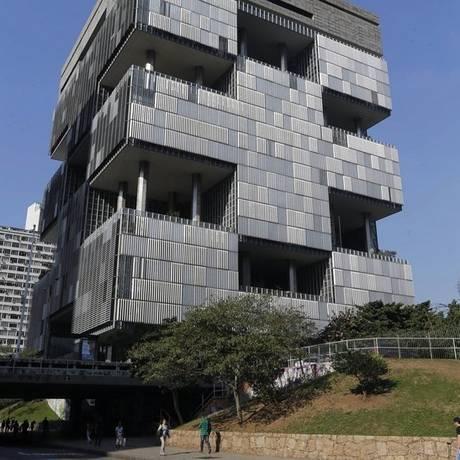 Gabinetes, no 23º andar do prédio-sede da Petrobras, seriam unificados Foto: Domingos Peixoto / Domingos Peixoto/10-6-2015