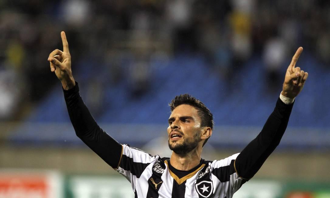 Artilheiro do Botafogo na Série B, Pimpão comemora seu quinto gol no torneio Cezar Loureiro / Agência O Globo