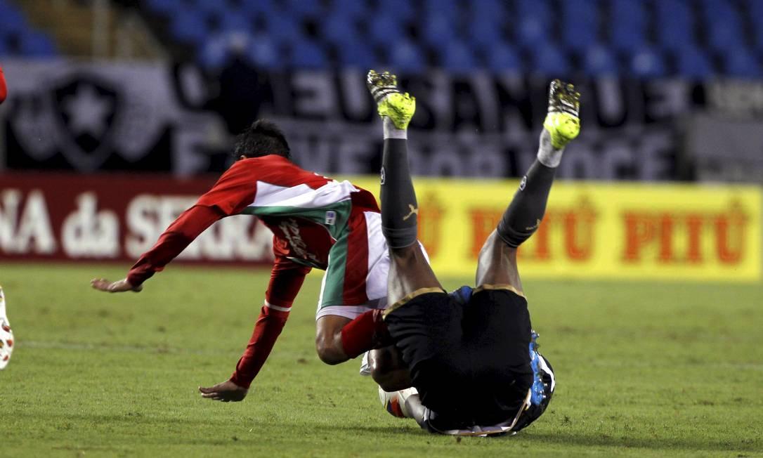 Botafogo e Boa Esporte ficaram no 1 a 1, no Nilton Santos Cezar Loureiro / Agência O Globo