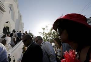 Fiéis entram na igreja metodista episcopal africana Emanuel Foto: BRIAN SNYDER / REUTERS