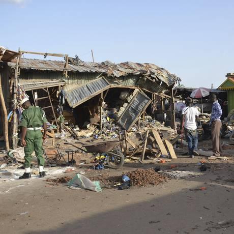 Cenários de explosões suicidas, como a última em Maiduguri, são frequentes na região Foto: Jossy Ola / AP