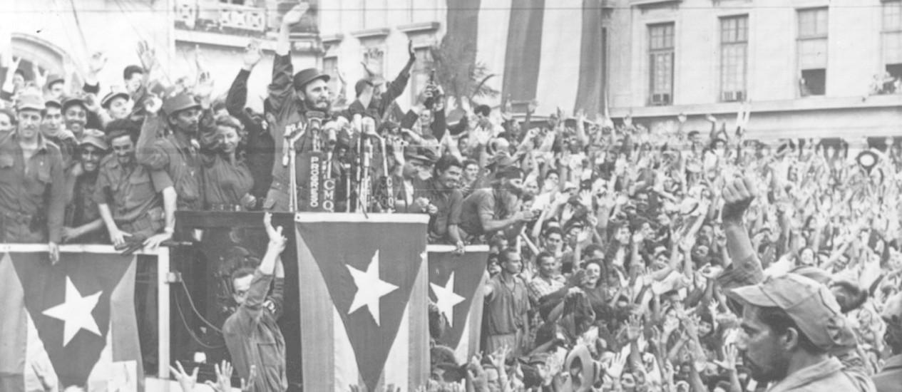 Dias de festa. Fidel Castro faz discurso histórico no centro de Havana, comemorando a vitória da revolução, em 1959 Foto: AP
