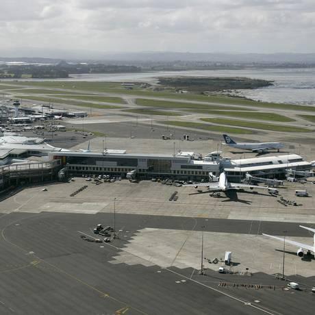 Aeroporto Internacional de Auckland enfrenta atrasos nos voos após a falha Foto: Dean Treml / AFP