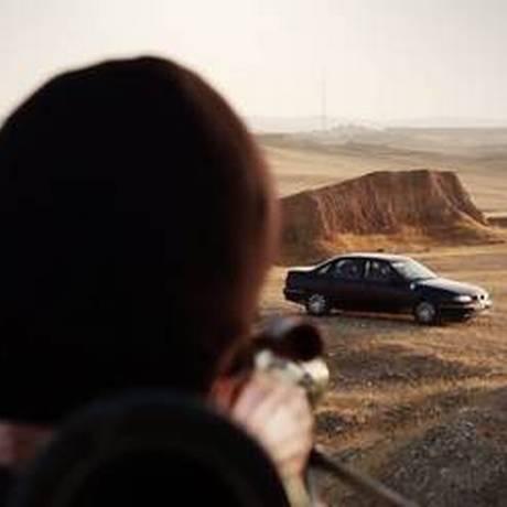 Jihadista do EI atira explosivo em carro durante vídeo de execução Foto: Reprodução