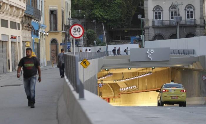 O Túnel Rio 450, que liga a Primeiro de Março à Binário do Porto Foto: Pedro Teixeira / Agência O Globo (02/03/2015)