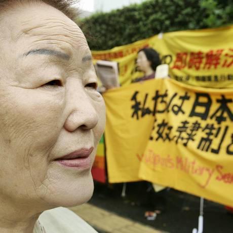 Yong-Soo Lee é uma das sul-coreanas que foram transformadas em