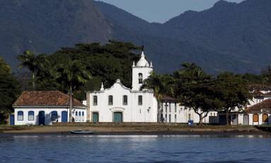 Igreja Nossa Senhora das Dores, construída em 1800, em Paraty. Cidade tem albergue com diária a R$ 1. Foto: Gustavo Stephan / Agência O Globo