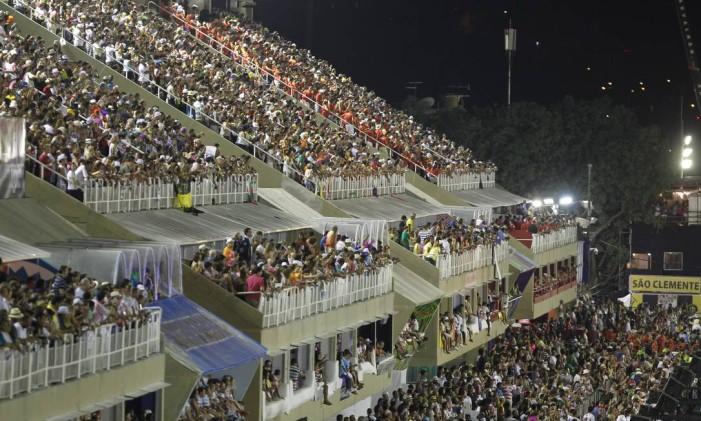 As arquibancadas do Sambódromo Foto: Luis Alvarenga / Agência O Globo (20/02/2012)