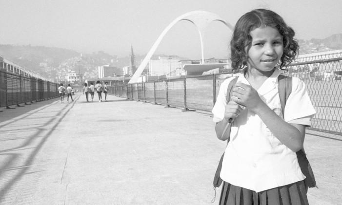 Sambódromo possui cinco escolas em atividade Foto: Cezar Loureiro / Agência O Globo (04/08/1986)