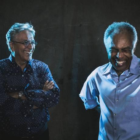 Os baianos celebram 50 anos de parceria em shows em voz e violão Foto: Divulgação/Fernando Young