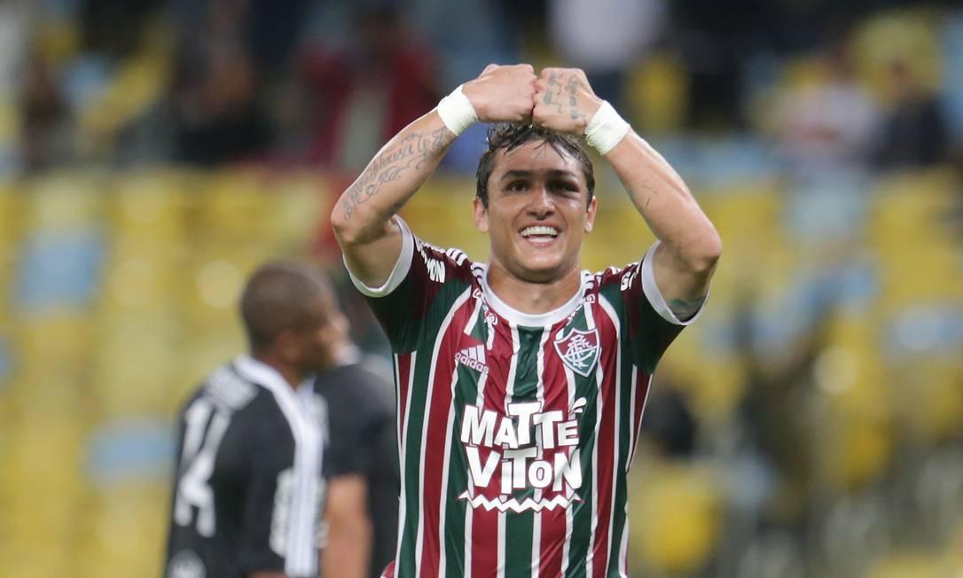 Vinícius comemora o segundo gol do Fluminense Marcelo Theobald / Agência O Globo