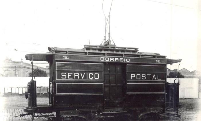 O bonde postal era responsável por distribuir as cartas dos cariocas Foto: Divulgação Light