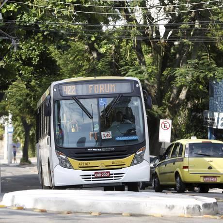 Nota zero: Linha 422 é a que gera mais reclamações de passageiros Foto: Hudson Pontes / Agência O Globo