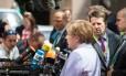 Angela Merkel, chanceler alemã, fala com os jornalistas antes da cúpula da União Europeia em Bruxelas
