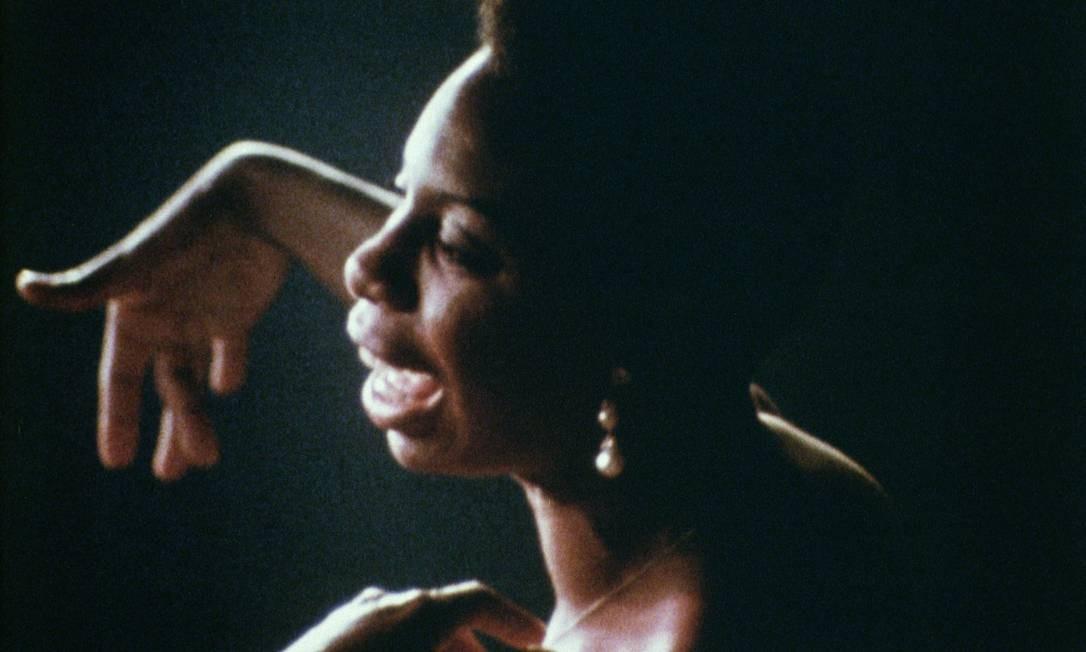 A cantora num dos momentos de 'What happened, Miss Simone?', dirigido por Liz Garbus Foto: / Divulgação