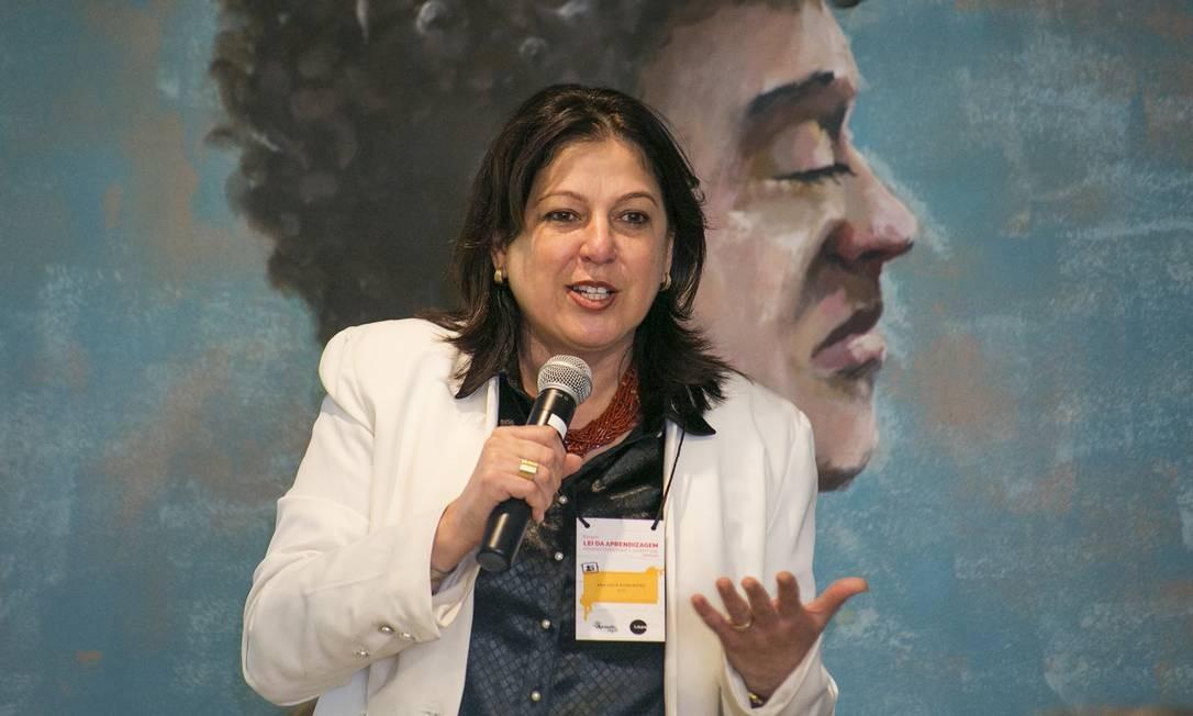 """Ana Lucia Alencastro participou do """"Fórum Lei da Aprendizagem: perspectivas para a juventude"""" Foto: Humberto Teski"""