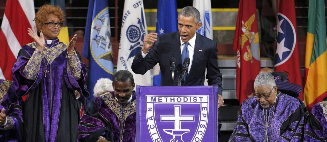 Obama emocionou público em Charleston com discurso e canto Foto: BRIAN SNYDER / REUTERS