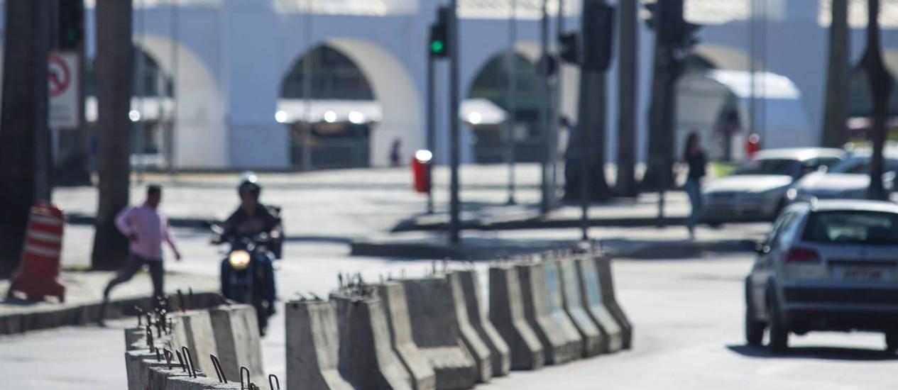 Geleira. Divisores separam pistas de avenidas Foto: Leo Martins / Agência O Globo