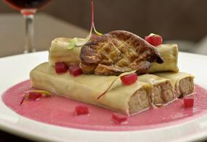 Preferido do Haddad — Canelones de pato, com molho de beterraba agridoce e foie gras, é servido no Così e chef quer mantê-lo no cardápio Foto: Divulgação / Così