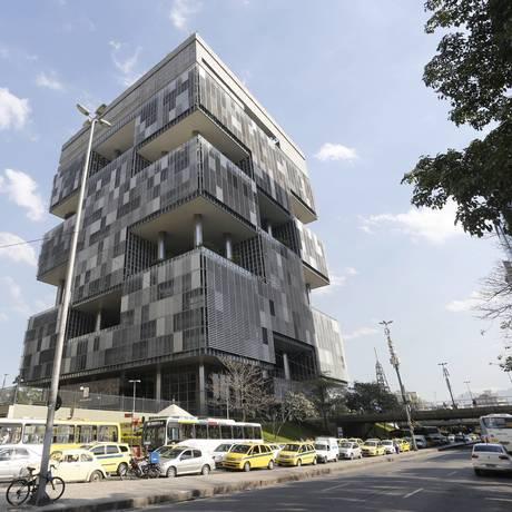 Edifício-sede da Petrobras, no Rio Foto: Domingos Peixoto / Agência O Globo
