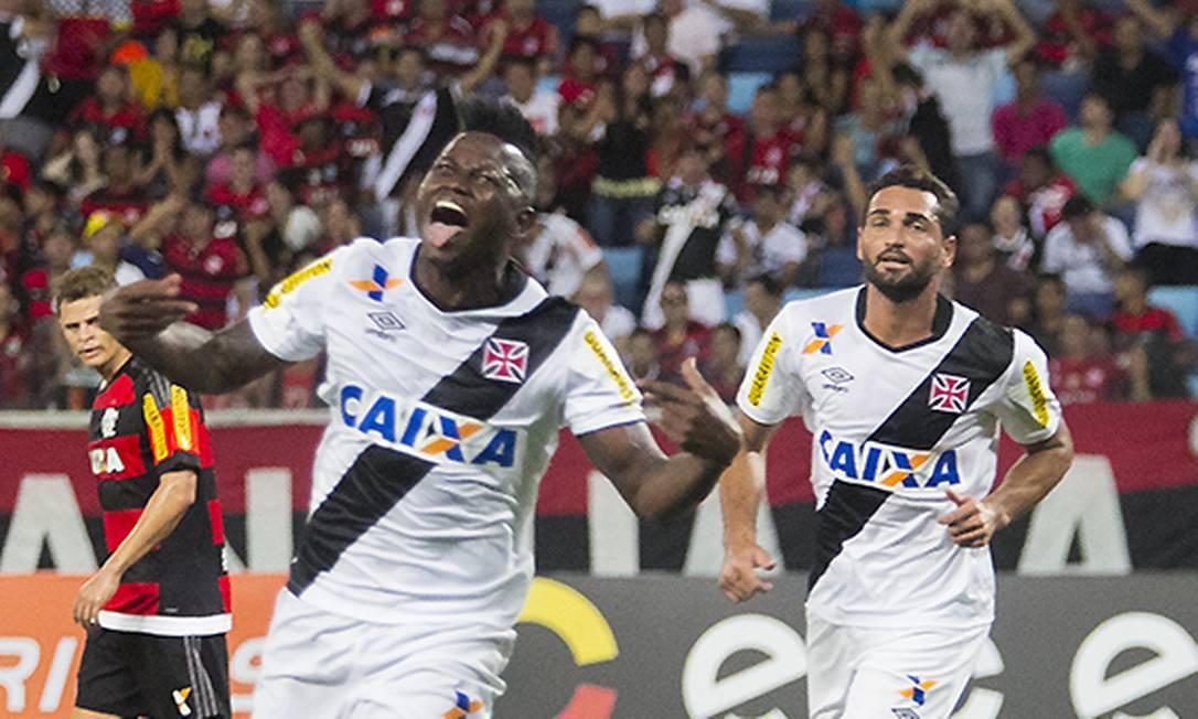 Riascos comemora o gol da vitória do Vasco sobre o Flamengo Divulgação / Vasco