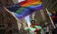 Ativista durante parada gay em São Francisco