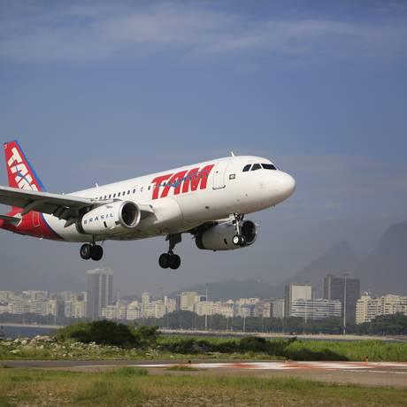 Avão da Tam pousa no Rio de Janeiro Foto: Dado Galdieri / Bloomberg